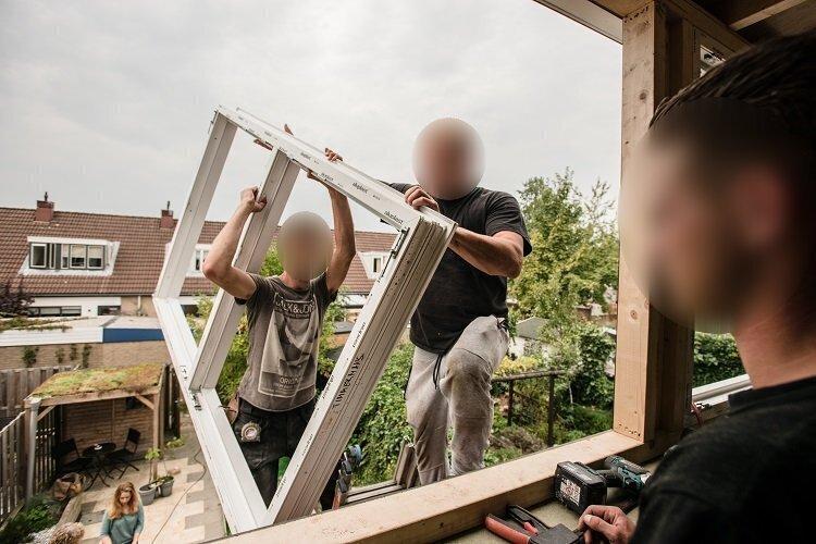 dakkapel raam plaatsen